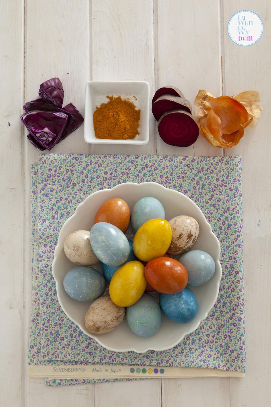 naturalne-sposoby-barwienia-jajek-wielkanocnych31