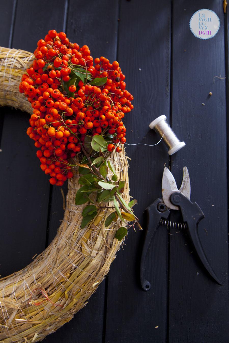 jak-zrobic-jesienny-wieniec-diy03
