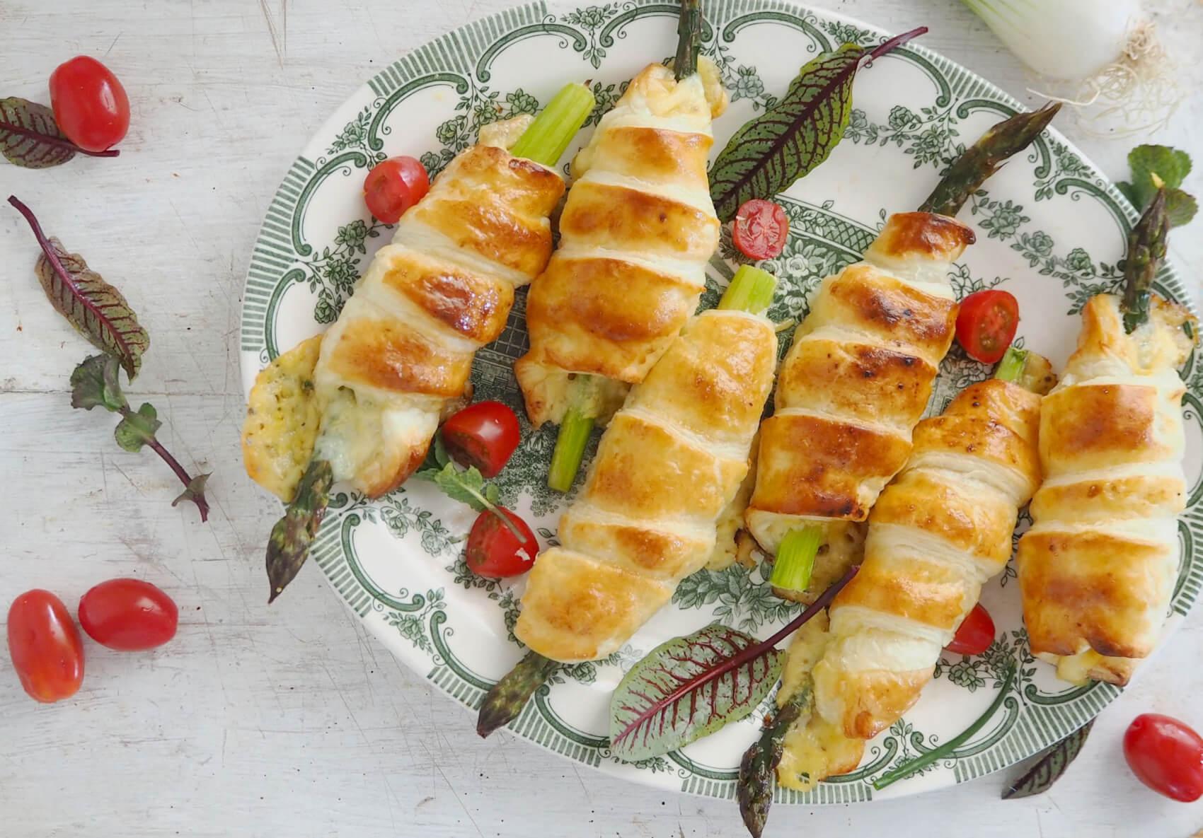 Szparagi z serem w cieście francuskim