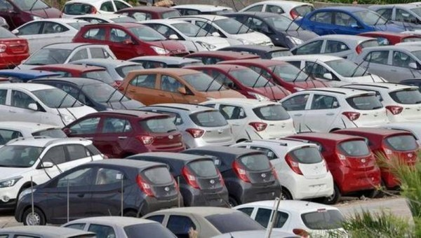 BS IV vehicle sales nose dive; FADA approaches Supreme Court for ...