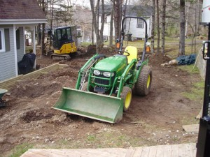 https://i1.wp.com/lawnchat.com/wp-content/uploads/2012/01/mini-excavation-services-300x225.jpg