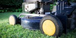 Best Paint for Lawn Mower Deck