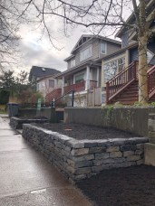stacked-stone-planter-box-Vancouver