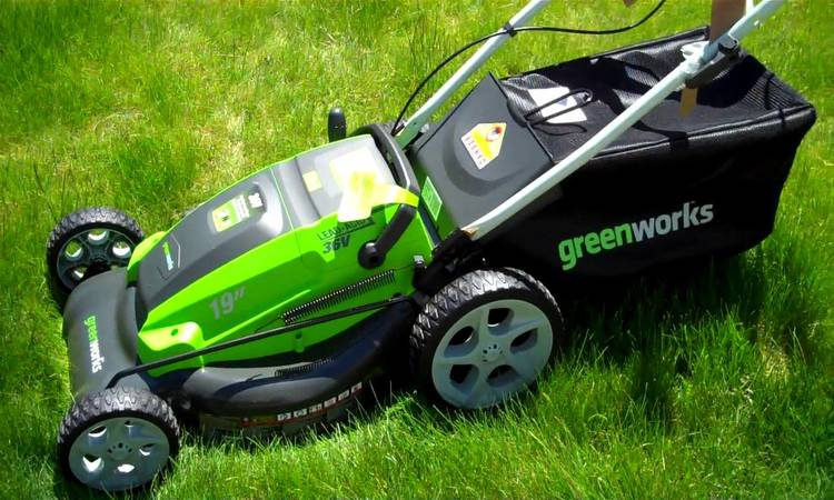 GreenWorks 25302 Twin Force G-MAX 40V Li-Ion 20-Inch Cordless Lawn Mower with 2 Batteries and a Charger Inc. Review