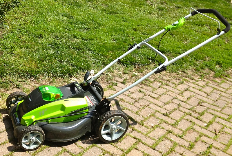 cordless electric lawn mower top maintenance tips lawn. Black Bedroom Furniture Sets. Home Design Ideas