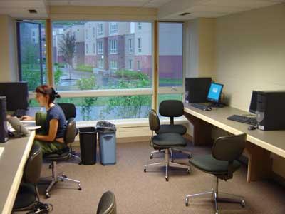 computer_room.jpg