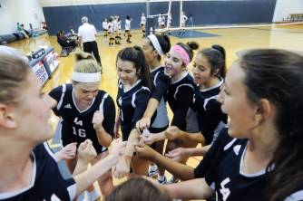 LA volleyball v. Middlesex School. Jon Chase photo