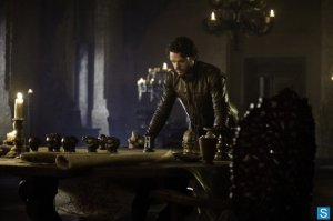 Game-of-Thrones-Episode-3.01-Valar-Dohaeris-Promotional-Photos-1_595_slogo