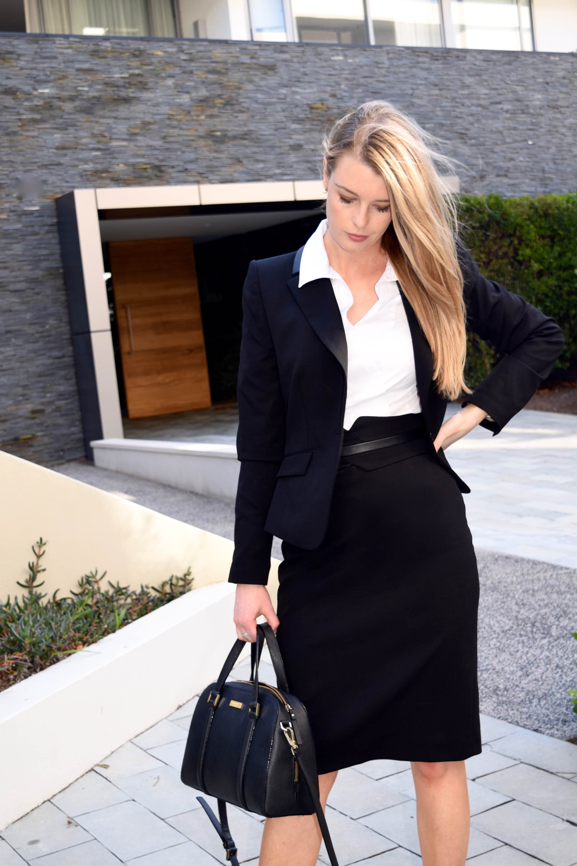 Heres How to Wear Your Black Staples All Summer Long Heres How to Wear Your Black Staples All Summer Long new images