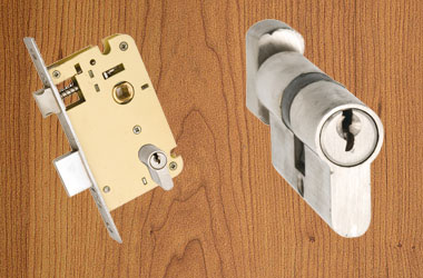 Mortice-Locks-N-Latches
