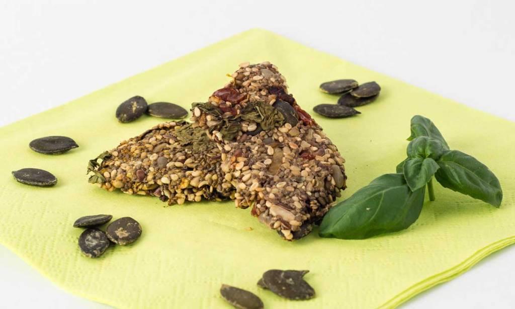 Knusprige Chia Cracker, vegan und glutenfrei