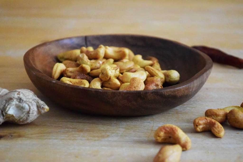 Kokos-Curry-Knusper_Cashewkerne machen gute Laune und sind eine hochwertige Eiweißquelle