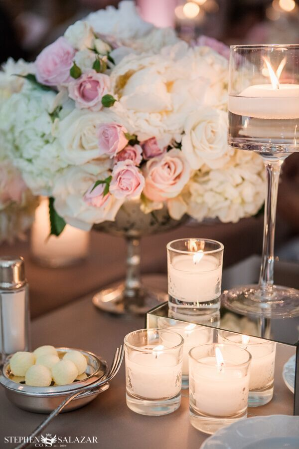 Four Seasons Las Vegas wedding. Florals by Layers of Lovely. Coordination by Green Orchid Events. Photography by Stephen Salazar