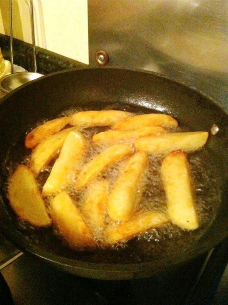How to make¦Heston Blumenthals Thrice-Cooked Chips, Lay The Table