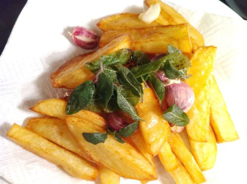 Nigella Lawsons Cold-Oil Chips  are they better?, Lay The Table