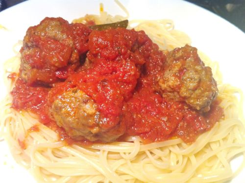 Cheesy Meatballs with Spicy Tomato Sauce and Linguine, Lay The Table