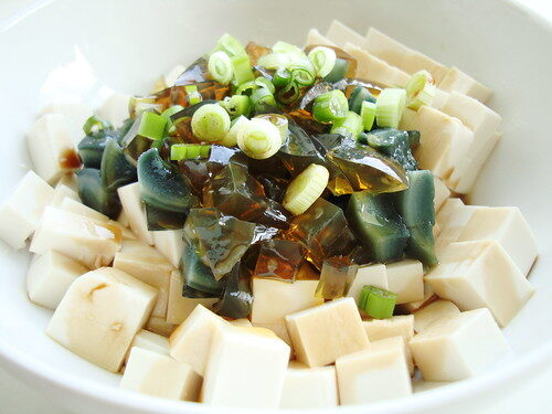 How To Make Chinese Tofu With 1000 Year Old Egg, Lay The Table
