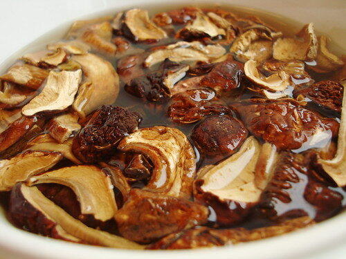 How To Make Mushroom Risotto, Lay The Table