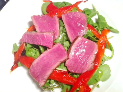 Exotic Meats Taste Challenge: Wildebeest Fillet Steak Salad with Four-Spiced Chilli Oil, Lay The Table