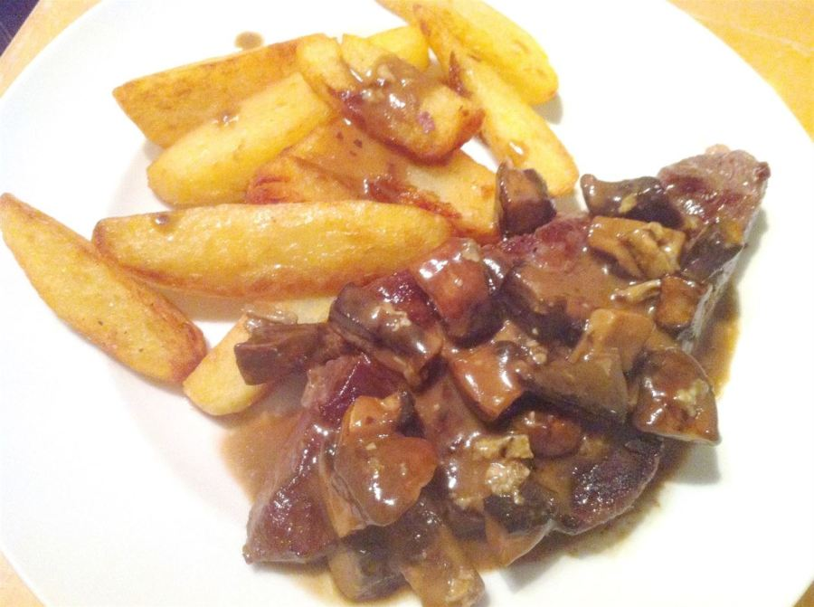 Steak & Chips with Marmite-Stilton Mushrooms, Lay The Table