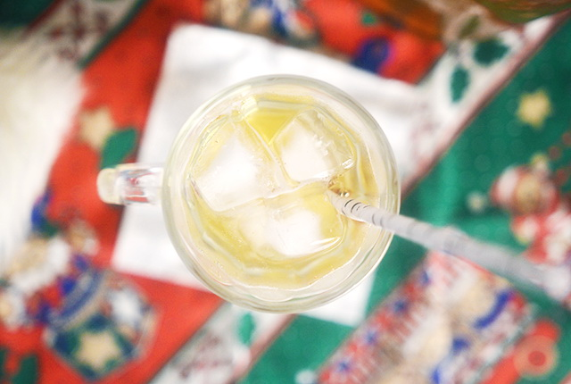 Gingerbread White Wine Cocktail – Merry Christmas in July!, Lay The Table