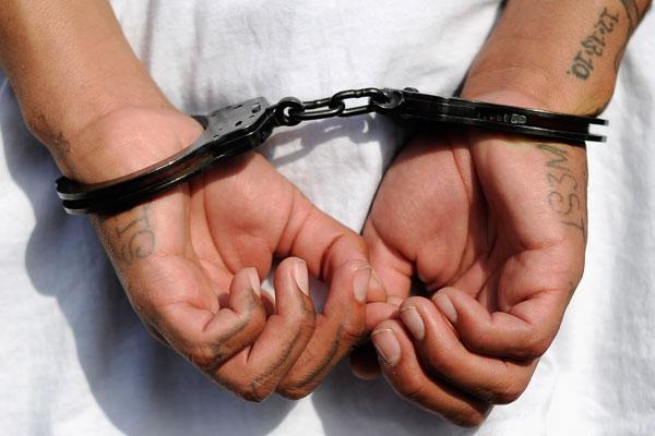 Por asaltar con un machete tienda de Fuentes de Morelia, es detenido