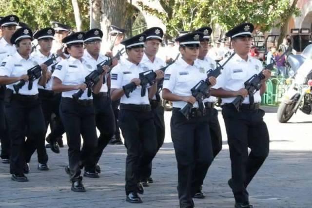 Policía de Morelia brinda labor social; atiende a persona mayor de edad extraviada