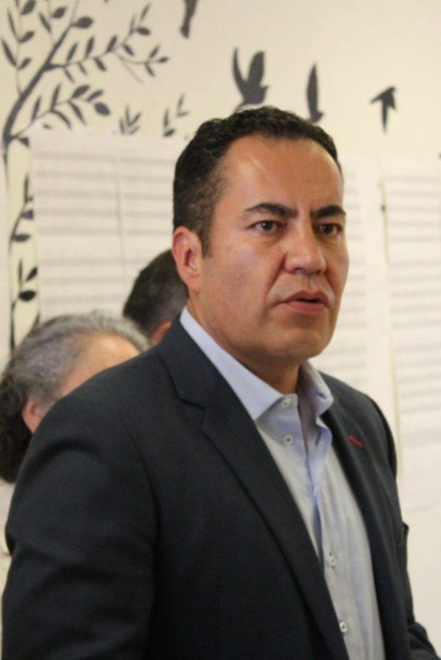 Carlos Herrera respetó límites de gastos de campaña: INE.