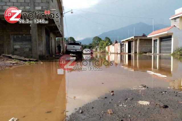 Intensa lluvia genera afectaciones en Tancítaro