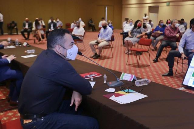 Llama Carlos Herrera a tomar previsiones ante COVID-19 en las actividades de la administración pública