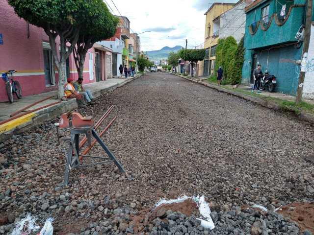Gobierno de Morelia brinda atención a vialidades de la colonia Prados Verdes