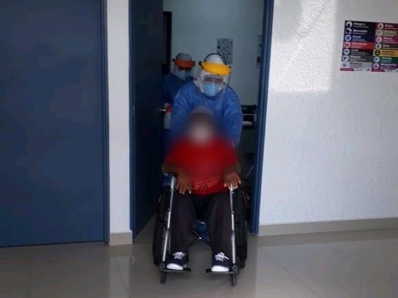 Egresa paciente de COVID-19 en el Hospital General de Zitácuaro