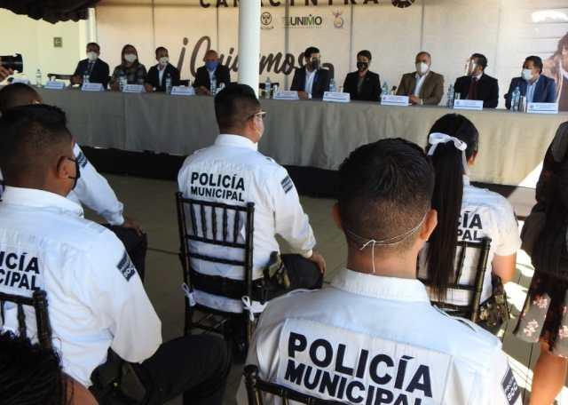Con becas escolares para familiares, CANACINTRA reconoce labor de la Policía Morelia