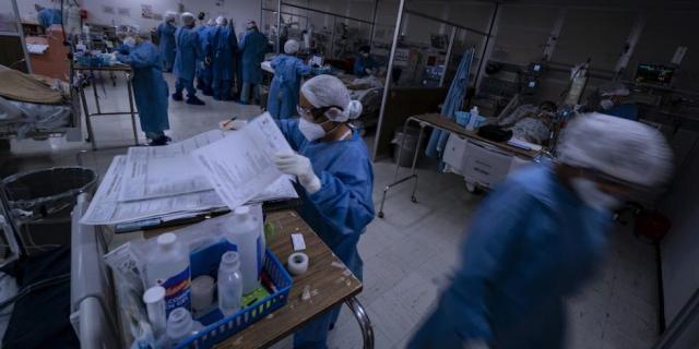Capacitan a militares y personal de salud para vacunación contra COVID-19