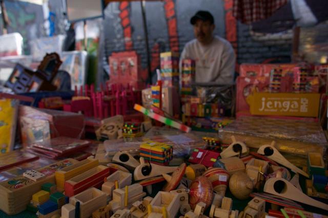 Gobierno de Morelia mantiene operativo para venta de juguetes en Día de Reyes