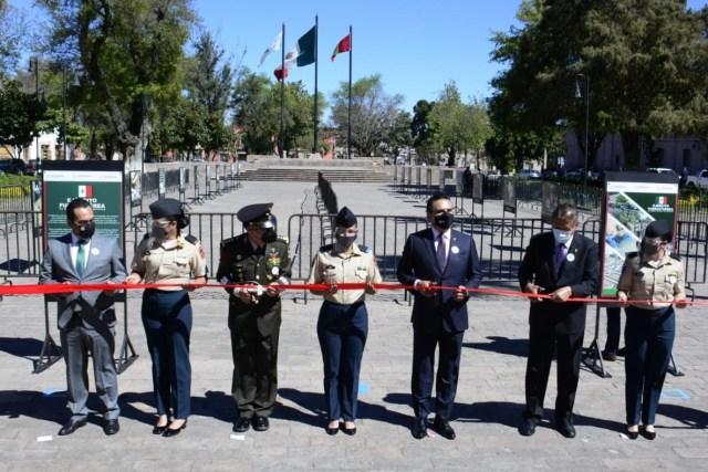 "Encabeza Gobernador inauguración de exposición fotográfica ""Ejército y Fuerza Aérea"""