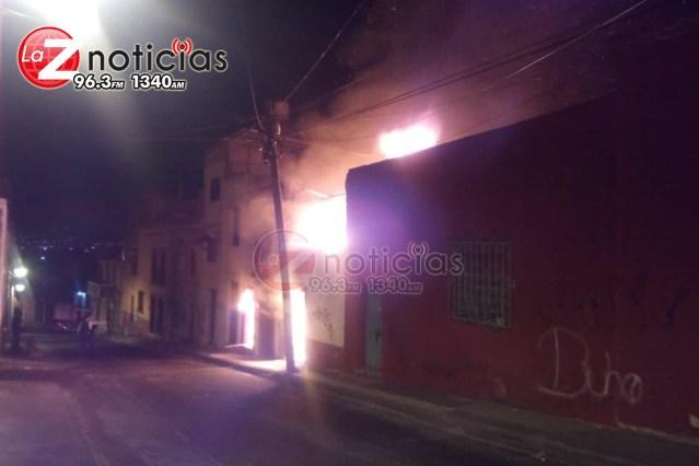 Arde casa habitación en el Centro Histórico de Morelia