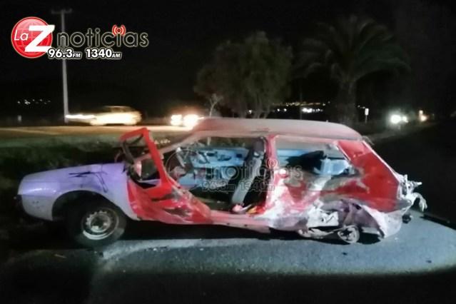Choque entre 2 vehículos deja 2 muertos y un herido en la Morelia-Pátzcuaro