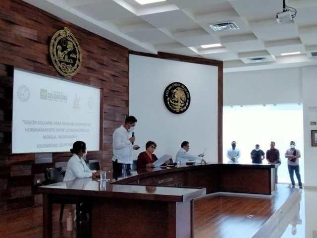 Signa Gobierno de Morelia convenio de hermanamiento con municipio de Solidaridad, Quintana Roo