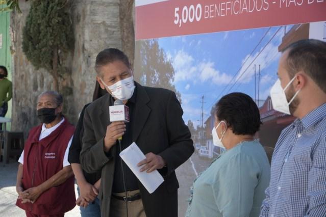 Humberto Arróniz entrega calle completa Gaviota, en Tenencia Morelos