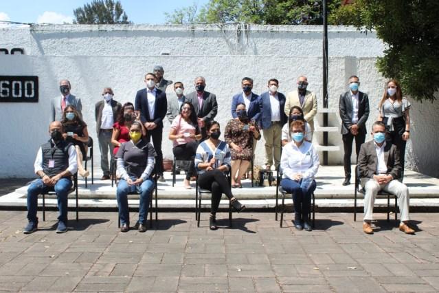 Entrega SEE cédulas profesionales a universidades de Michoacán