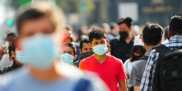 López-Gatell recomienda usar cubrebocas aún vacunados contra Covid; no es como EU, aclara