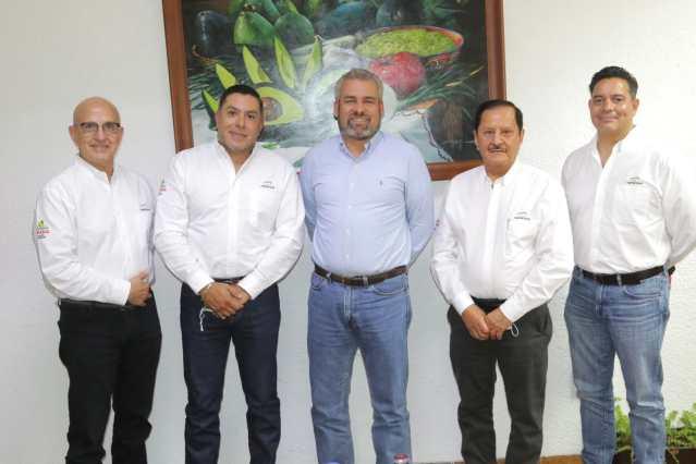 Gobernador electo y APEAM analizan la sustentabilidad ambiental del aguacate