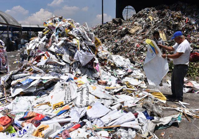 Ayuntamiento de Morelia ha retirado 70 por ciento de «basura electoral» que le corresponde quitar a los partidos políticos