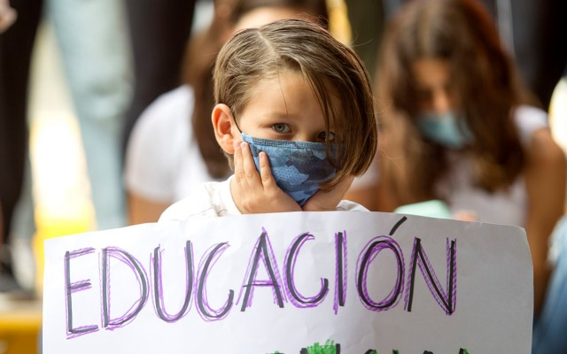 Niños están recibiendo información tóxica por no ir a clases