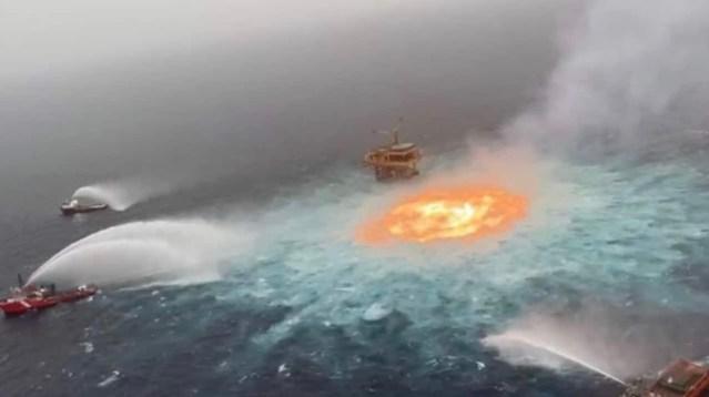 Se registra incendio en ducto marino de Pemex en Campeche