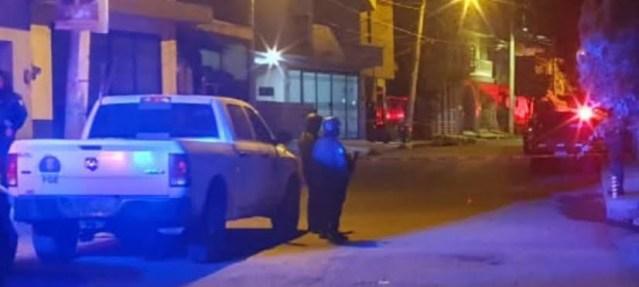 Matan a tiros a hombre en Lomas del Punhuato y hallan restos humanos en el fraccionamiento San Isidro
