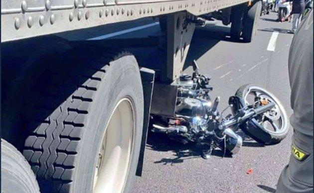 Sube a 7 la cifra de motociclistas muerdos tras choque en la México Cuernavaca