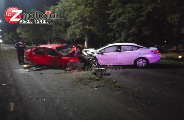 Un herido de gravedad en choque de 2 autos en salida a Charo