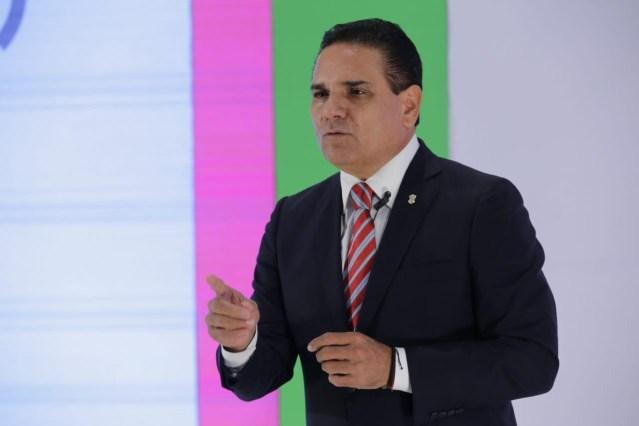 """«Olvídese de Silvano Aureoles y cúmplale a los maestros"""": Gobernador a AMLO"""